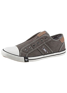 6c013eab7eb2 Mustang Shoes Slip-On Shoes